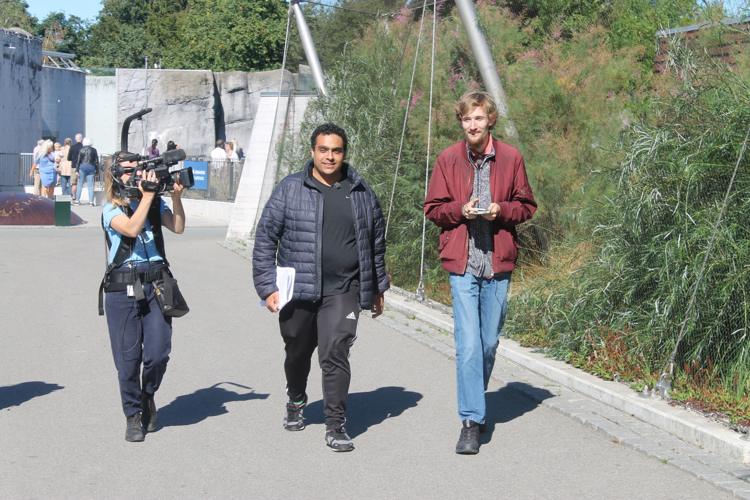 Mohamed Eldigwy og Mark Lorentsen på tv-optagelser i Zoologisk Have